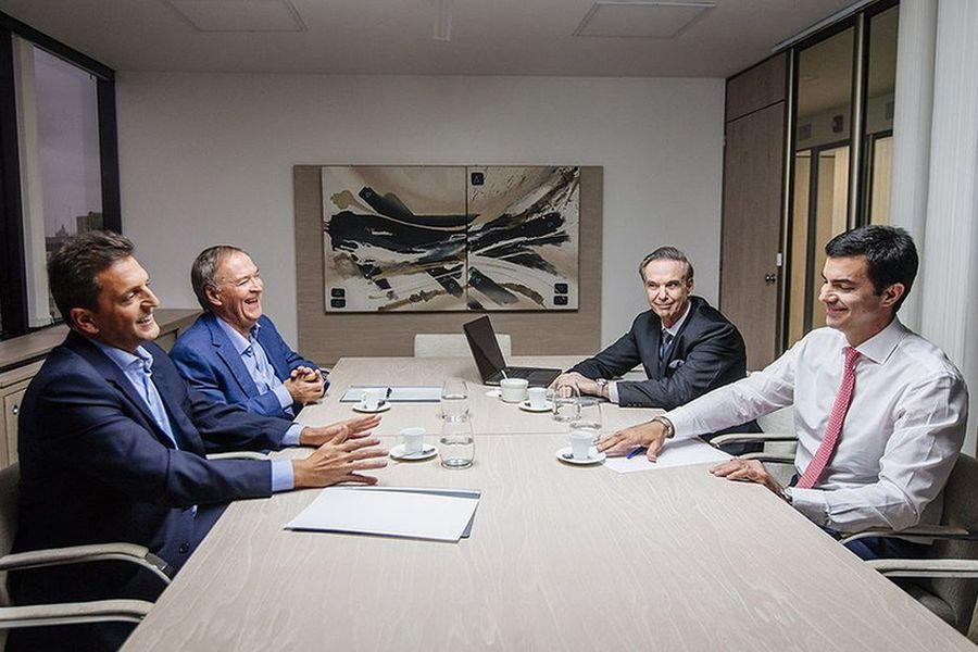 Massa junto a Schiaretti, Urtubey y Pichetto