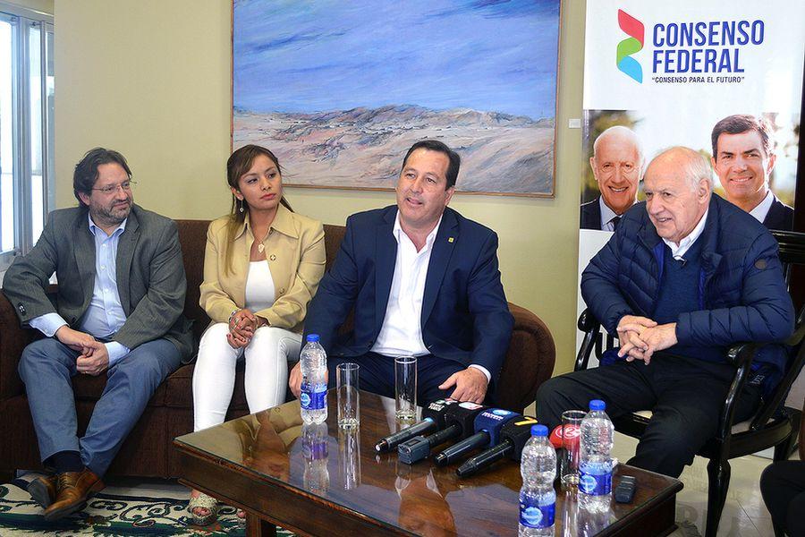 Lavagna destacó las figuras de Snopek y Alarcón como representantes de la Argentina que viene