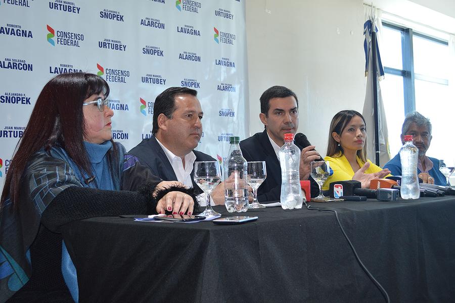 Desde Jujuy, Urtubey invitó a construir una Argentina federal con el aporte de Snopek y Alarcón en el Congreso de la Nación